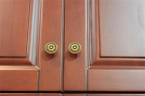 定制实木系列衣柜舒适典雅型卓曼衣柜